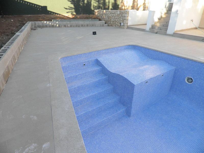 Coronacion piscinas marmoles gata s l for Coronacion de piscinas